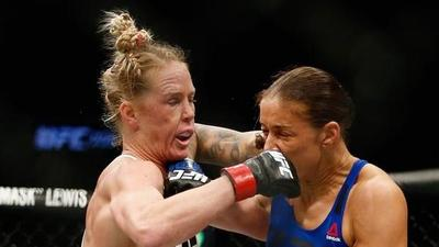 Sangrienta derrota de la verdugo de Ronda Rousey