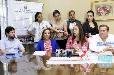 Diputados fustigan el pacto Cartes-Lugo-Llano