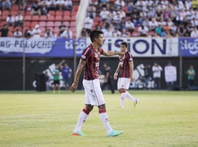 Cerro Porteño se interesa en Julio Dos Santos