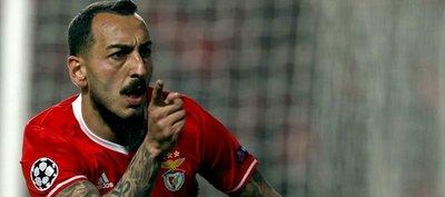 Mitroglou y Ederson dejan al Benfica más cerca de los cuartos