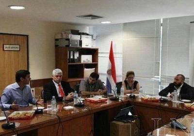 Ministro Peña acusa de terrorismo económico postura de la oposición