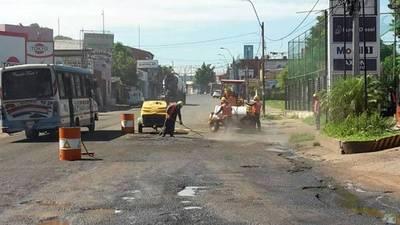 Reparan calles aledañas al Metrobús en San Lorenzo