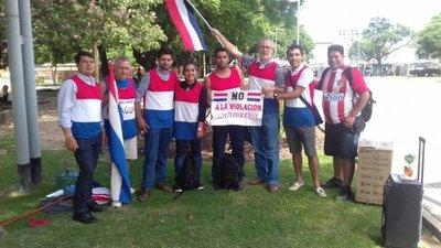 Compatriotas protestan contra la dictadura de Cartes