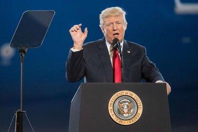 EE.UU. despide a un alto asesor de Seguridad Nacional por criticar a Trump