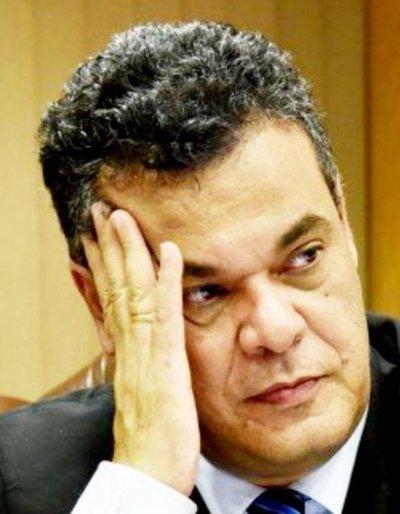 "Acevedo pide terminar con ""vyrorei"" de la reelección"