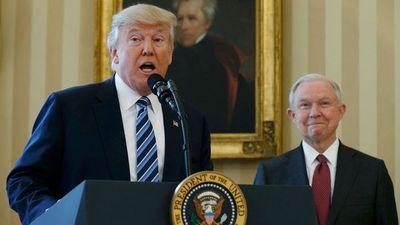 """Donald Trump calificó a la prensa de """"enemiga del pueblo estadounidense"""""""