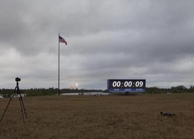 Lanzan cohete de SpaceX desde histórica plataforma de NASA