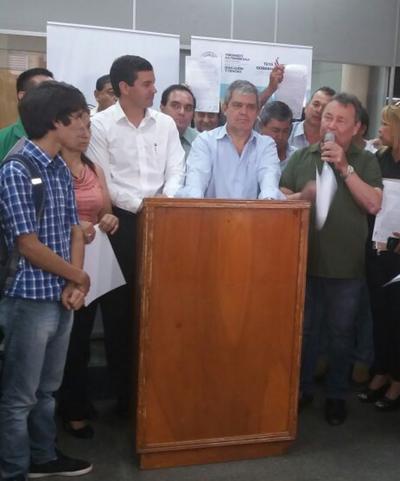 """Santiago Peña: """"Éste acuerdo lejos está de ser un punto final"""""""