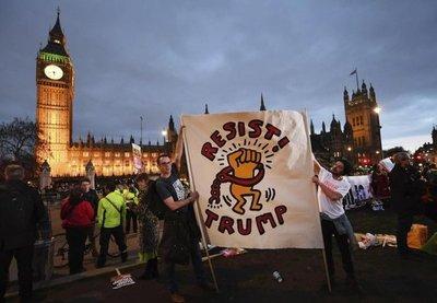 Miles de personas manifiestan en Londres contra Trump