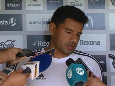 César Benítez le apunta toda la artillería a Botafogo