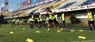 Botafogo practica penales y Gatito atajó todos los remates