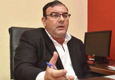 Diputado Rivas paga a caseros con dinero del erario público