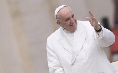 Papa anima a los párrocos a acoger a concubinos