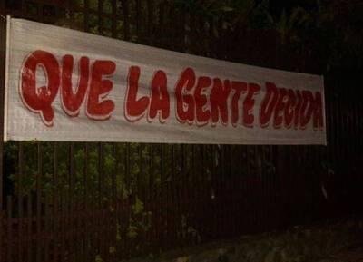 Aparecen carteles a favor de la reelección en Ñemby