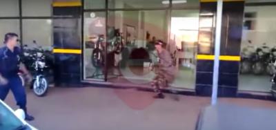 Intentó asaltar local con arma de juguete y fue detenido