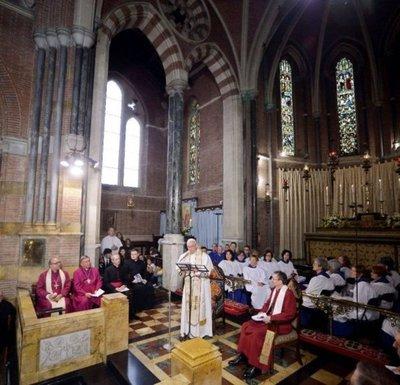 Acercamiento del Papa a anglicanos