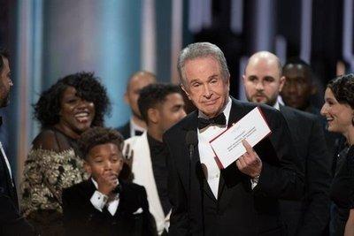 Video del histórico error en los Oscar