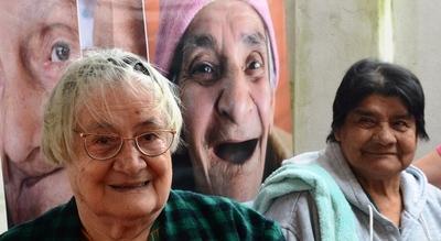 Esta semana continúa aplicación de ficha social a adultos mayores