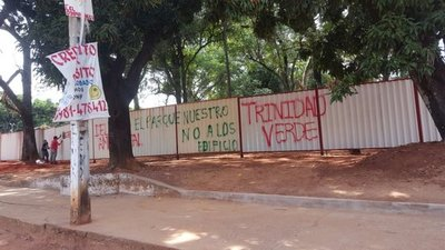 Reunión con concejales en defensa del parque Pavetti