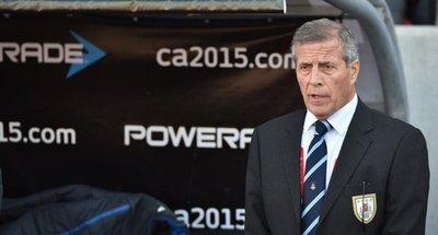 Tabárez, DT de Uruguay, preocupado