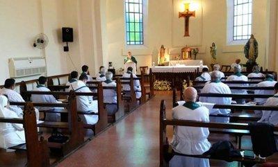 Obispos debaten protagonismo de jóvenes