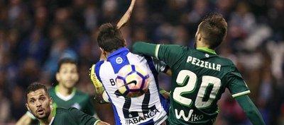 El Betis, con Tonny Sanabria, iguala de local ante el Deportivo