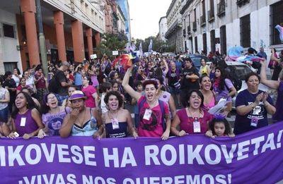 La violencia contra la mujer sigue, pero la lucha por la igualdad gana fuerza