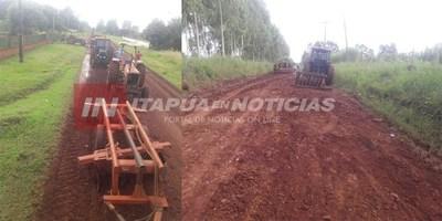 EDELIRA: VECINOS SE AUTOCONVOCAN PARA ARREGLAR CAMINOS VECINALES