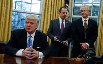 Legisladores pide evidencia de acusación de Trump