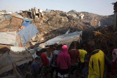 Suben a 65 los muertos en deslizamiento de tierra en vertedero de Etiopía