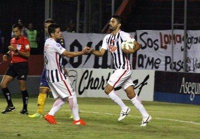 "Martínez: ""Cañete se tiró sobre mi pierna"""