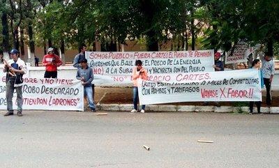 Capiateños repudian a Cartes por el tarifazo en el suministro de energía