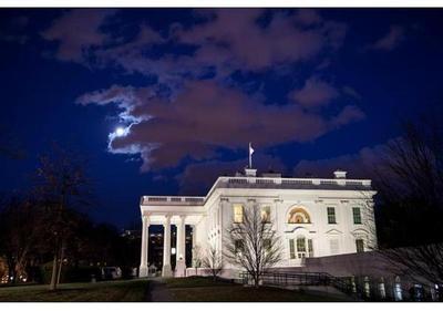 Conductor queda detenido cerca de la Casa Blanca