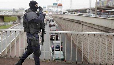 Liberado el padre del hombre abatido en el aeropuerto de Orly