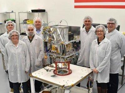 Presentan reloj atómico para mejorar la navegación en el espacio