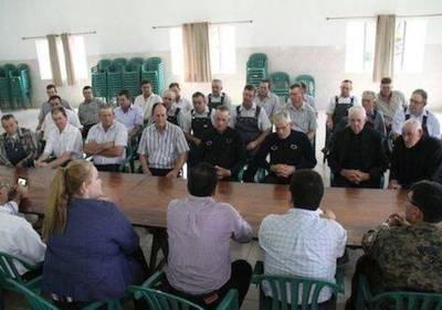 """Menonitas niegan que se irán del país: """"Seguimos confiando en el Gobierno"""""""