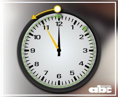 No olvidar atrasar el reloj