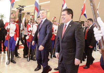 Cartes y Macri hablarían en Buenos Aires sobre tema Yacyreta