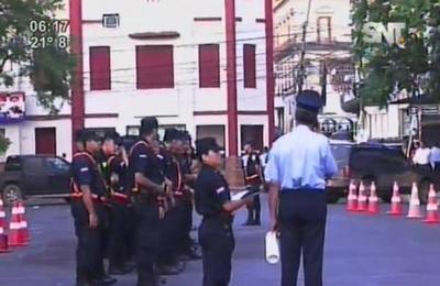 Inusual presencia armada frente al Congreso
