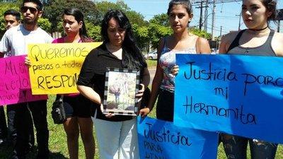 Exigen justicia tras asesinato de joven en Oviedo
