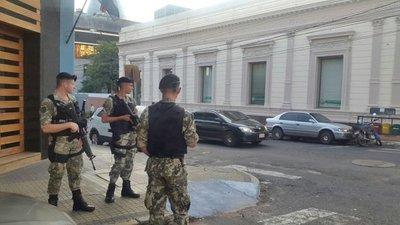 Militares están preparados para actuar ante tensión en el Congreso
