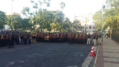 Policías se movilizan para marcha campesina