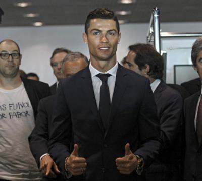 Cristiano ahora hace gala de un aeropuerto