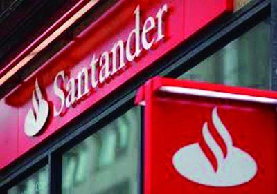 Qatar vende la mitad de sus títulos a Santander
