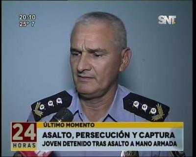 Joven armado que robó celular fue detenido tras una persecución