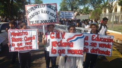 Alumnos anuncian toma de colegio en Villarrica