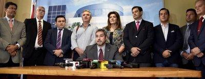 """Según Abdo Benítez, los 25 senadores actuaron como """"sicarios de la política"""""""