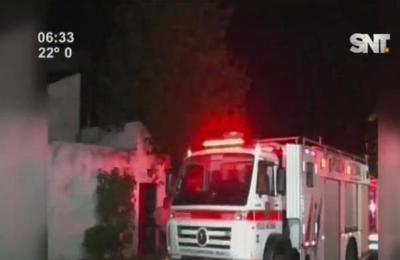 Se incendia bodega de insumos hospitalarios
