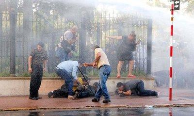 Varios periodistas fueron lastimados