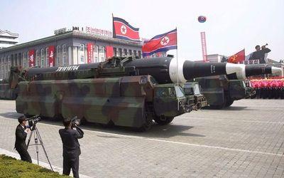 Trump aconseja 'portarse bien' a Corea del Norte